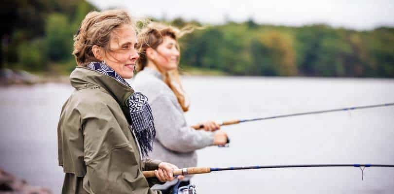 Zwei Frauen Angeln auf Fünen und Langeland, Dänemark